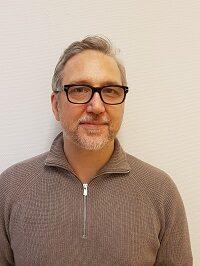 """<a href=""""mailto:fredrik.vislander@movinger.nu"""">Fredrik Vislander</a>"""
